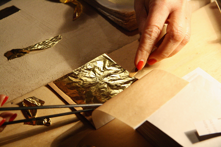 Gold leaf beaters and artistic foundries in Venice